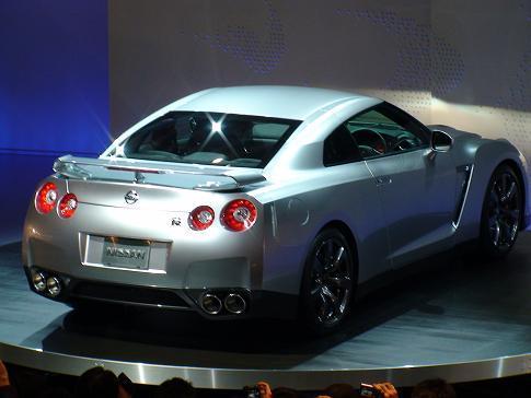 東京モーターショー日産ブース二階 新型GT-Rリア画像