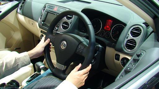 東京モーターショー2007 VWティグアン画像 運転席